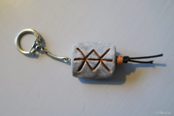 bind-rune-protection-keychain-1